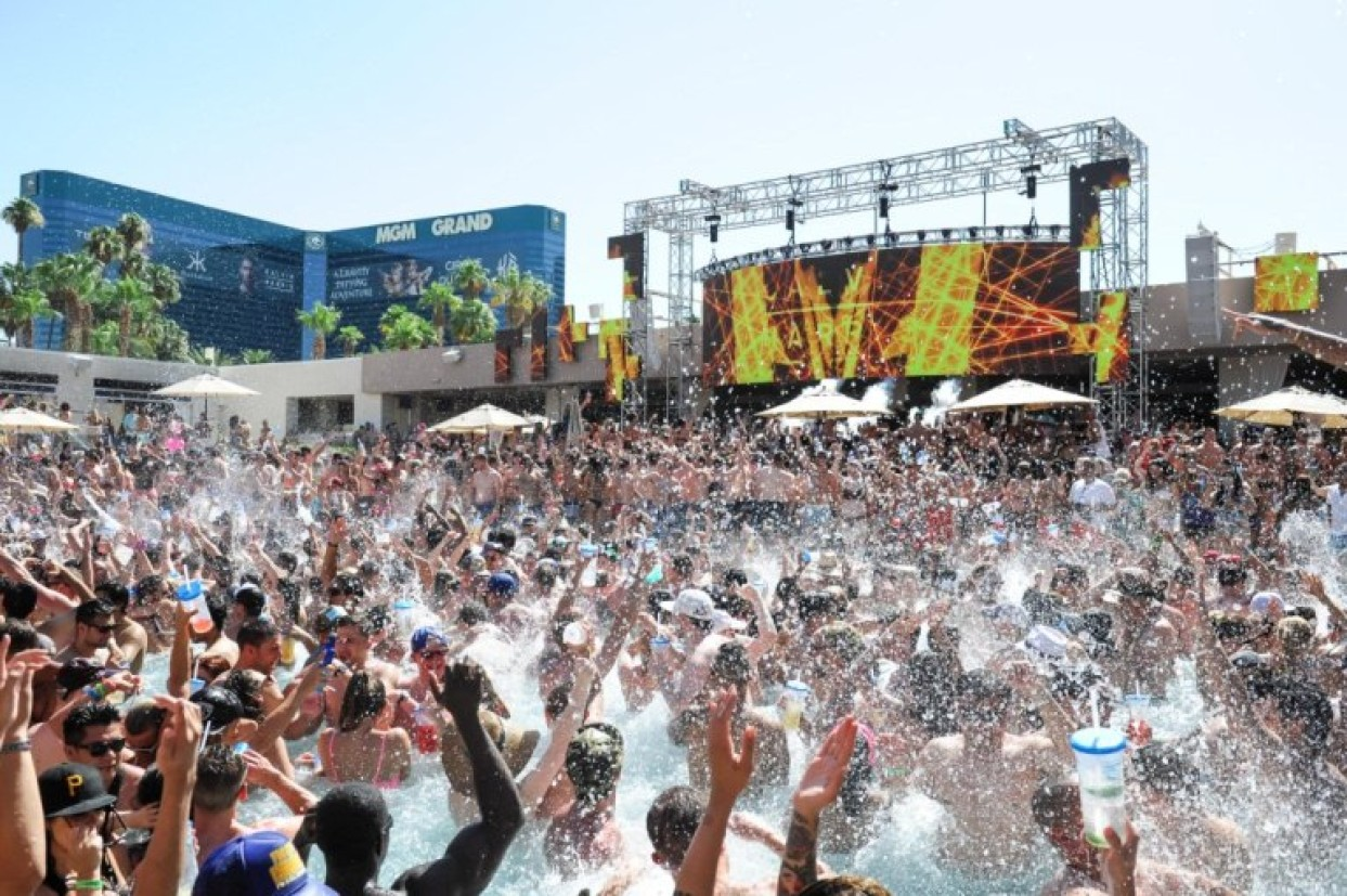 Mgm Grand Pool Party