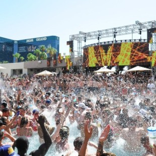 WET REPUBLIC AT MGM GRAND SEPTEMBER TALENT