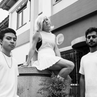 Hotel Garuda – 'Blurry Eyes' (feat. Runn)