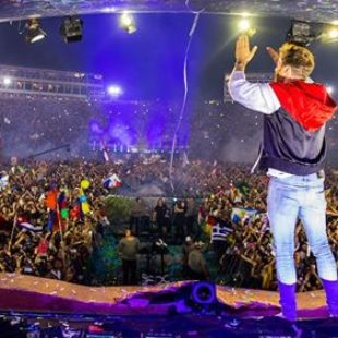 Relive David Guetta's electric set on the Tomorrowland mainstage [Video]