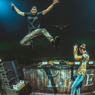 Relive Dimitri Vegas & Like Mike's #1 DJ Mag performance at AMF [Video]