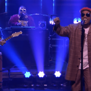 """Watch The Free Nationals & Anderson .Paak Perform Unreleased Track """"Gidget"""" Live On Jimmy Fallon"""