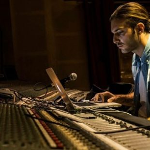 In a recent Instagram Story, that was uploaded to Twitter afterward, Swedish producer Alesso producer outlines how to create a 'Big Room EDM Banger'